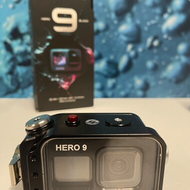 📣 What are you waiting for ? Put the new Case GoPRO Hero 9 📦  under your Christmas Tree🌲  The Case GoPRO Hero Black 9 (2020) 100% Made in Italy 🇮🇹 is now ready to ship.  Produced by Carbonarm.com and guaranteed for a depth of 250 meter. Large sized front window for the front screen, which allows you to configure the GoPRO during your dive. 👇 🔗  https://www.carbonarm.com/p/278 👇 Available through our dealers worldwide: @easydive @gopro_italia_by_gocamera @plongimage @la_camera_embarquee @kanauimagen @tiefensteinunterwasserwelten @divesea.hq @photodenfert and more to come... . . #carbonarm #goproherocase #underwaterscooter #dpv #scuba #underwater #underwaterphotography #underwaterlife #underwatershots #wildlifephotography #scubadivinglife #underwater_world_ #scubadiving #uwphoto #underwaterphoto #uwphotography #undewatervideo #actioncamera #actioncam #uwhousing #ultralightarms #brackets #clamps #gopro #underwatervideo #underwatervideography #underwatercarbonfiberfloatarms #underwaterarms #hero9 #gopro9